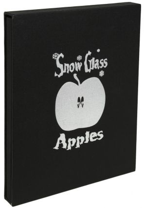 SNOW GLASS APPLES: A PLAY FOR VOICES. Neil Gaiman